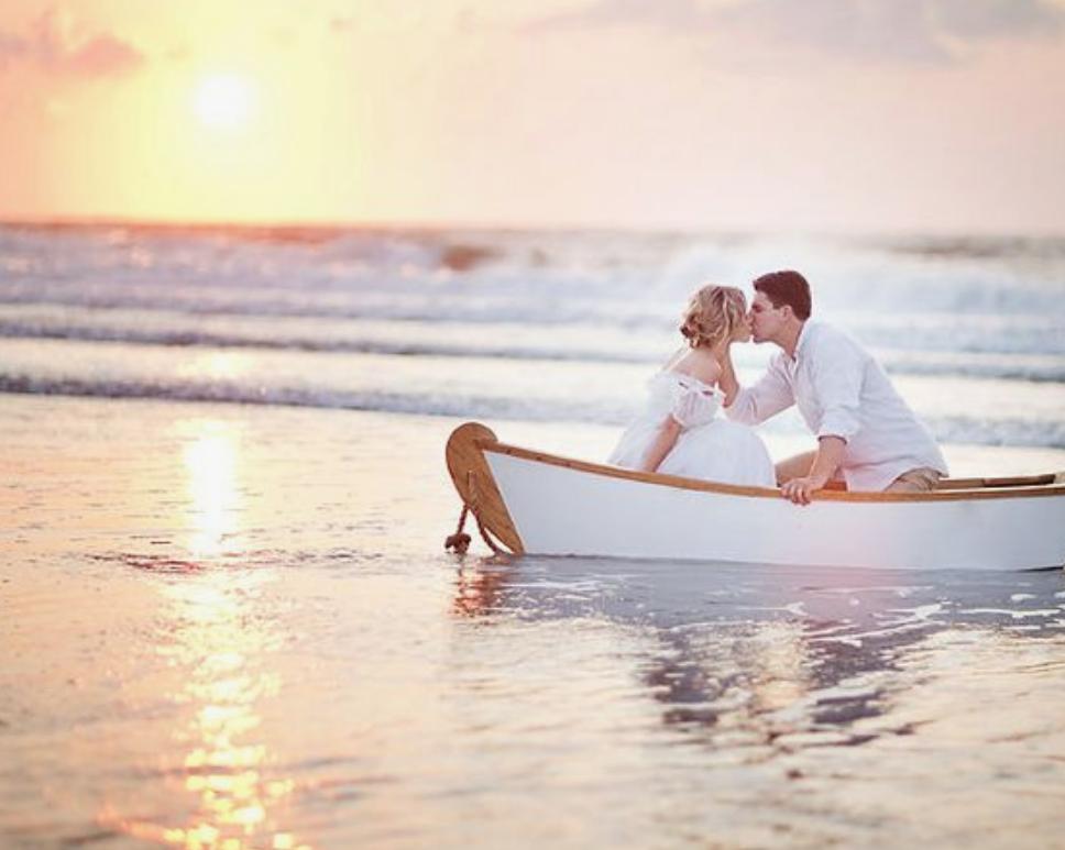 Matrimonio Sulla Spiaggia Economico : Veronica maya si è sposata matrimonio in spiaggia ai caraibi con